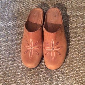 Ariat suede sandals - good condition!